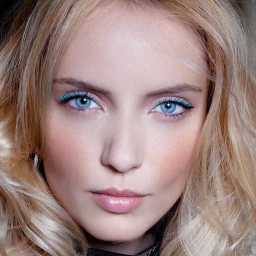 Un joli makeup summer style  tbt makemybeauty makeup nellychatagnonhellip