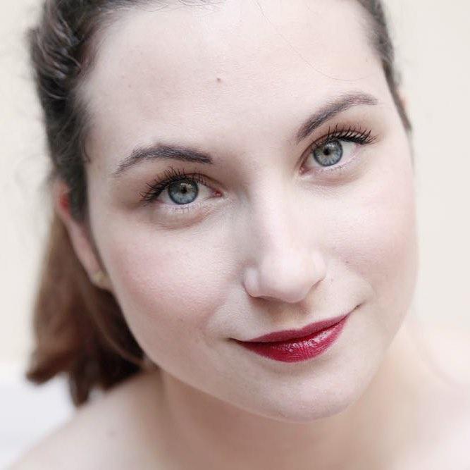Aujourdhui nous avons confi une mission makeup  Anne !hellip