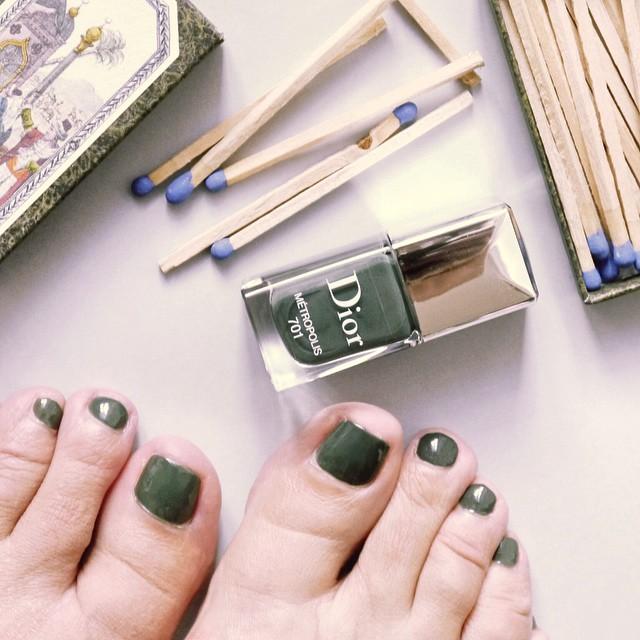Big crush pour le nouveau vernis Metropolis de Dior deepgreenhellip