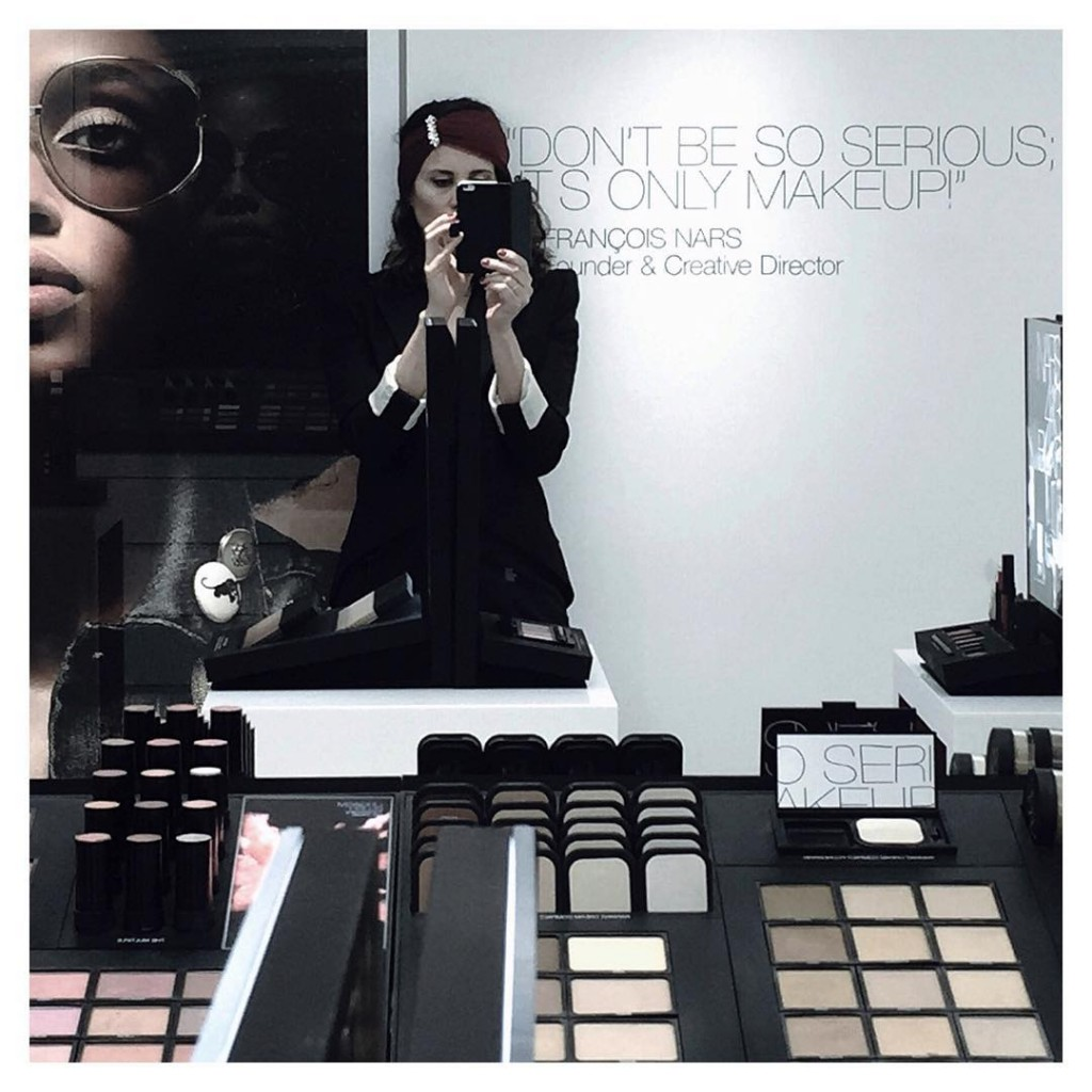 DONT BE SO SERIOUS ITS ONLY MAKEUP!  Merci narsissisthellip