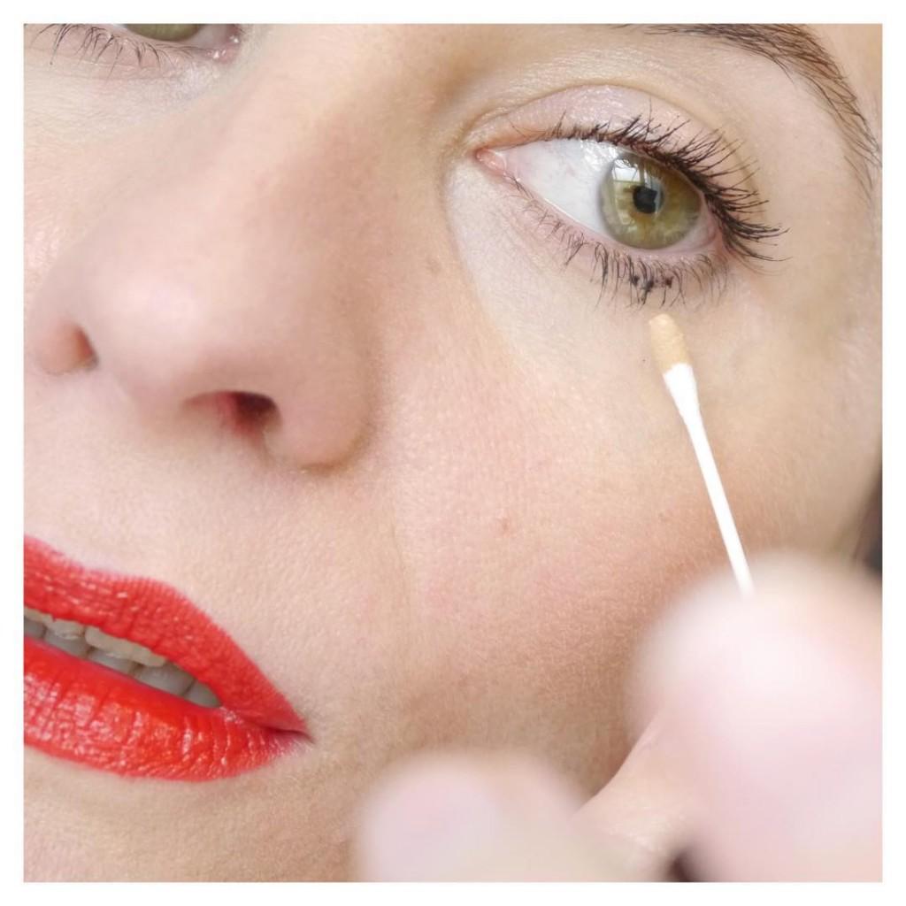 La tche de mascara qui foire notre makeup a nervehellip
