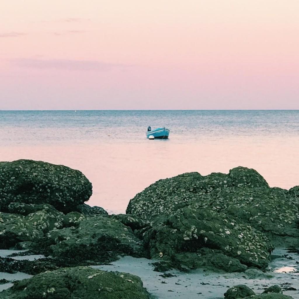 Hier soir ctait peaceful meditation sur la plage face auhellip