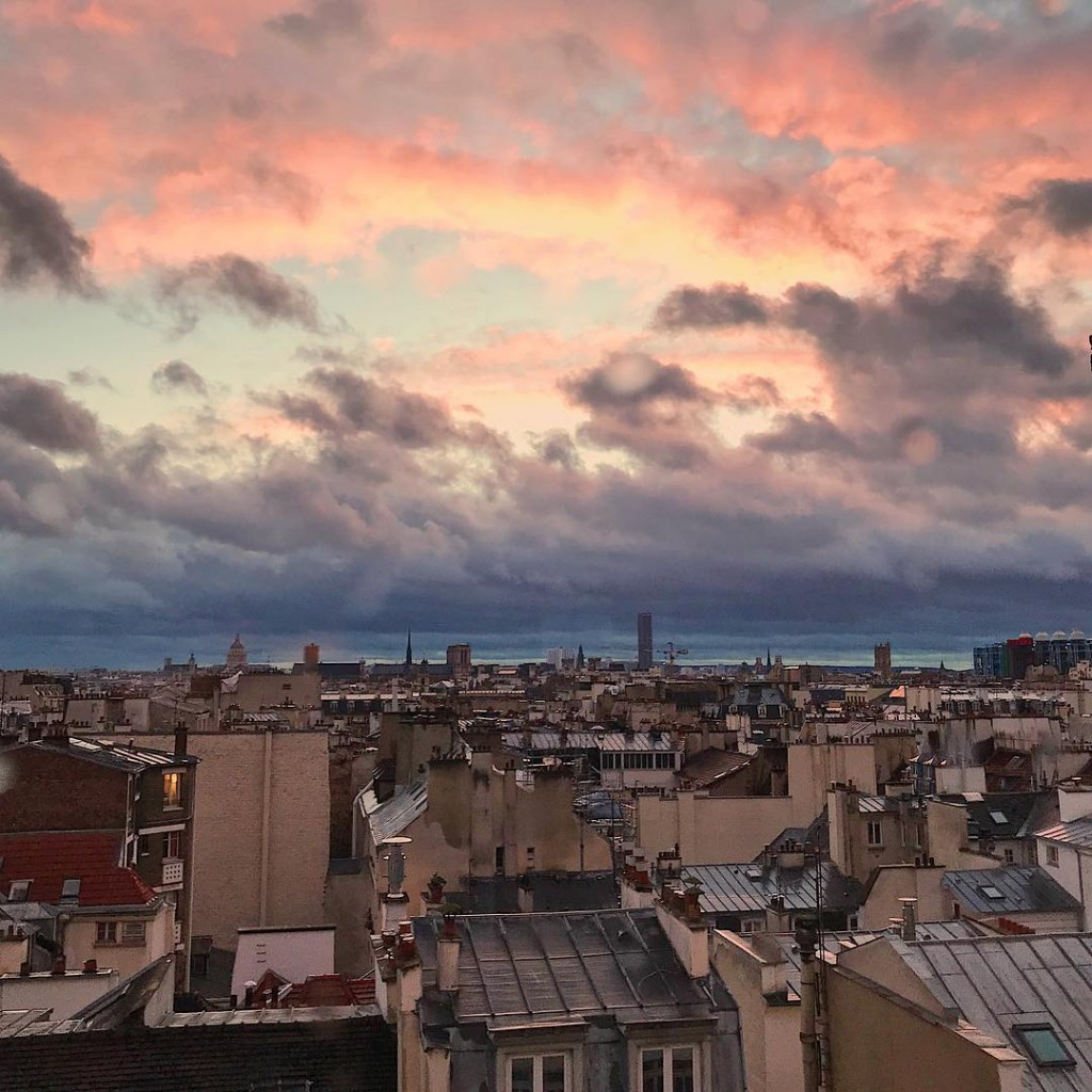 Le ciel de Paris avant la tempte Paris sky beforehellip