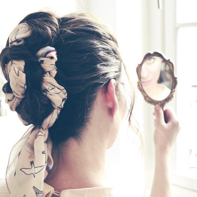 Sortez vos foulards et rendez vous sur le blog! C'est l'heure de se coiffer autrement qu'avec un élastique les filles ? (?lien dans le profil) #coiffure #foulard #hair #instabeauty #makemybeauty #365C