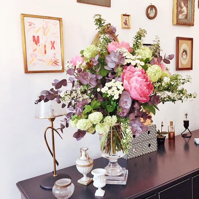 Mieux que le muguet pour le 1er mai ? Merci @audrey_leroy & @____alfredo____ pour ce sublime bouquet ! #picoftheday #flower #1ermai #instagood #makemybeauty