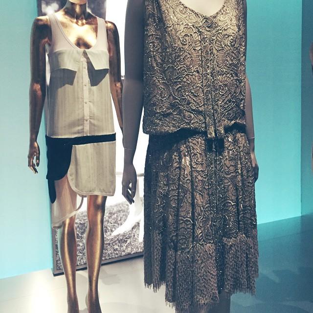 Je crois que j'ai trouvé THE robe les filles !! #annee30 #retro #barcelone #museedudesign