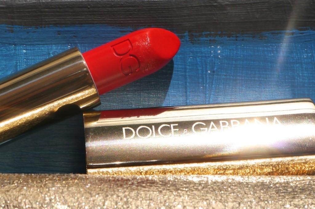 dolce-gabanna-red-fire-lipstick