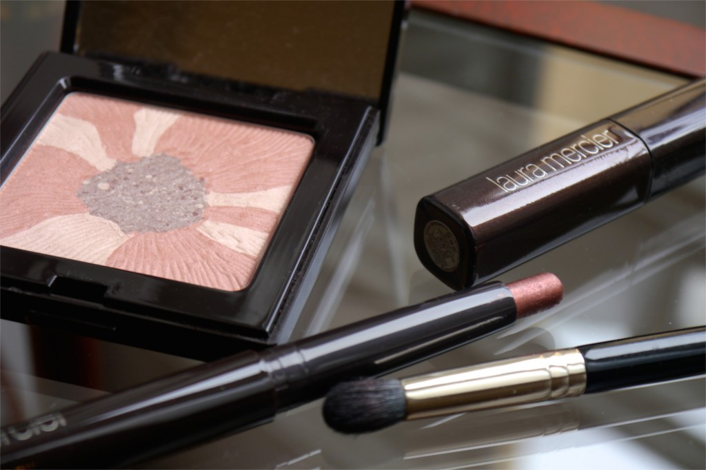 burnished-bronze-stick-caviar-laura-mercier