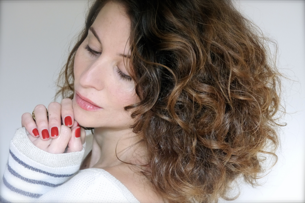 secret-cheveux-boucles-brillance
